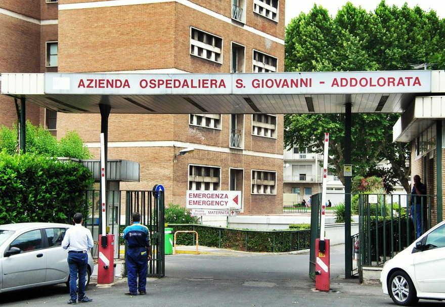 San Giovanni Addolorata, monta la protesta dei lavoratori