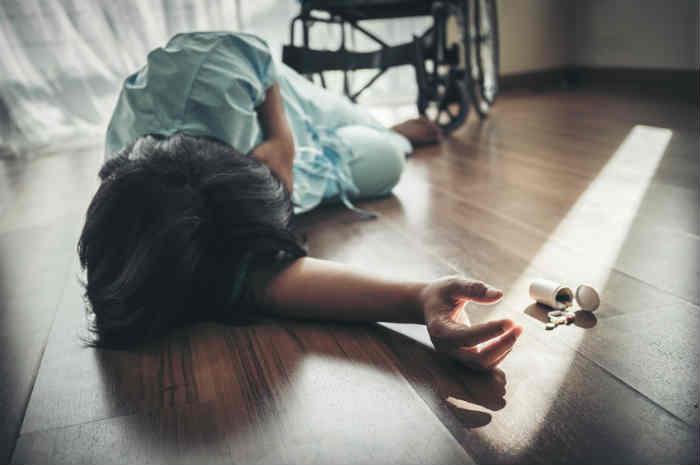 paziente caduta da sedia a rotelle