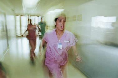 Infermieri e medici di pronto soccorso, le vere vittime della malasanità