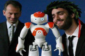 Neo-Infermiere pediatrico inventa robot scaccia-paura della sala operatoria