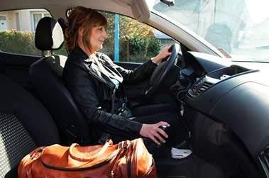 infermiera in auto