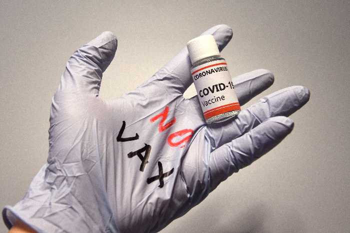 Terni: sospesi sette sanitari no vax