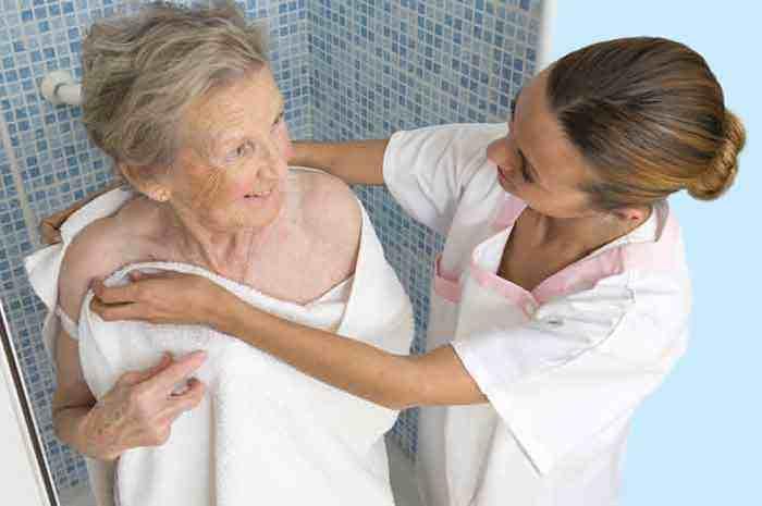 Igiene del paziente autosufficiente, il supporto dell'Oss