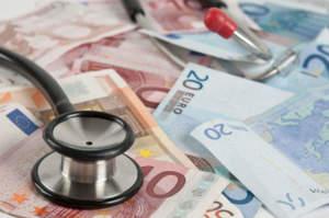 Diecimila euro per un posto in clinica, infermiera nei guai