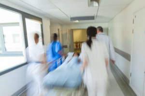 Liti tra infermieri e oss. E la paziente sta a guardare