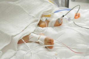 Bimba muore a tre mesi. I genitori accusano due infermiere