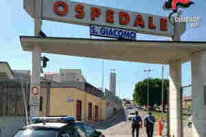 Furbetti del cartellino, 46 indagati all'ospedale di Monopoli