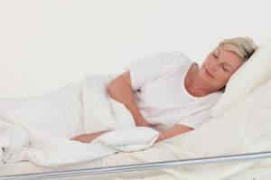 Posizionamento del paziente a letto in posizione laterale