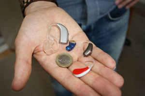 Igiene della protesi acustica, la procedura operativa