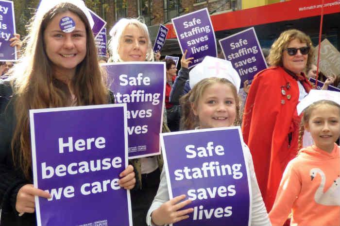 Nuova Zelanda, gli infermieri protestano