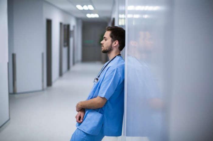 infermiere corridoio