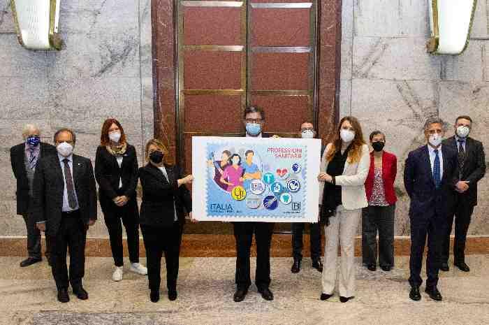 Francobollo celebra impegno sanitari nella lotta alla pandemia