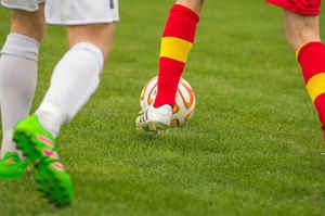 Bimbo muore mentre gioca a calcio, denunciati 4 infermieri