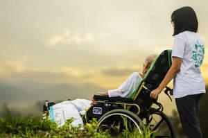 Caregiver, dalla Valle d'Aosta un primo riconoscimento