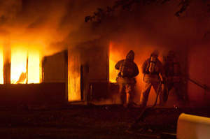 Incendio in ospedale, infermieri intossicati
