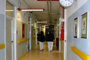 Emilia-Romagna ci riprova: Obbligo per medici e infermieri