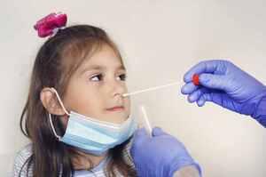 Curva dei contagi in aumento tra i bambini