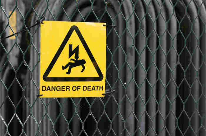 segnale di pericolo alta tensione