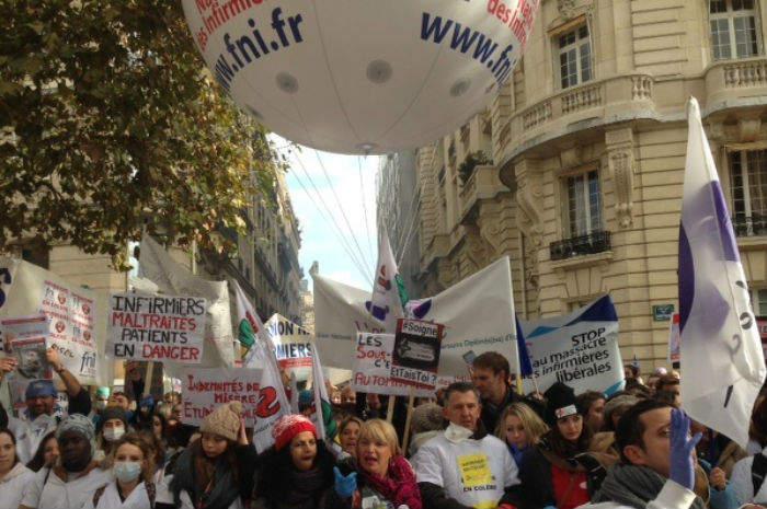 Stress e suicidi, infermieri francesi in sciopero