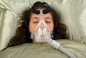 La ventilazione a pressione positiva continua (CPAP) è la terapia più frequente per l'apnea nel sonno da moderata a grave nei pazienti adulti.